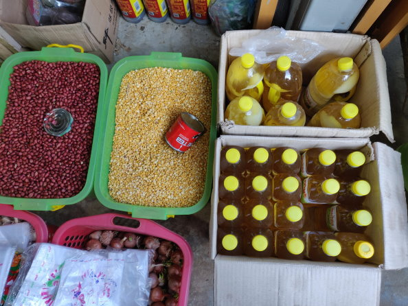 Photo: WFP/Aung Khaing Moe, Staple food commodities on display at a vendor in Rakhine State