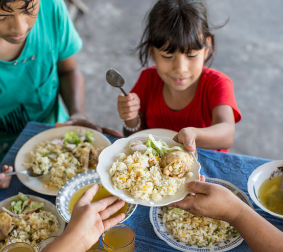 WFP Launches Family Meal Photo Competition With Celebrity Chef Jamie Oliver