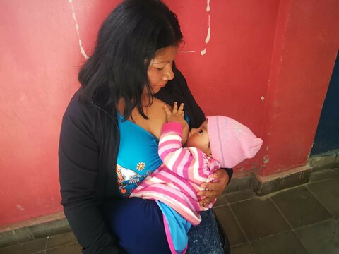 'Being able to breastfeed my daughter is the best gift that I can give her'