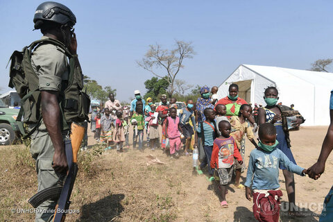 Refugees from Central African Republic reach safety in Cameroon
