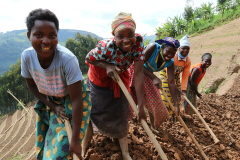 Everything you need to know about FOOD SYSTEMS, how they can avert famine and help end hunger