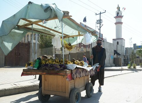 Afghanistan: Street vendor uses WFP cash assistance to restart trade interrupted by COVID-19