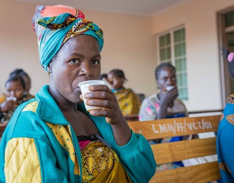 Freshly squeezed business idea brings nutrients Malawian mothers