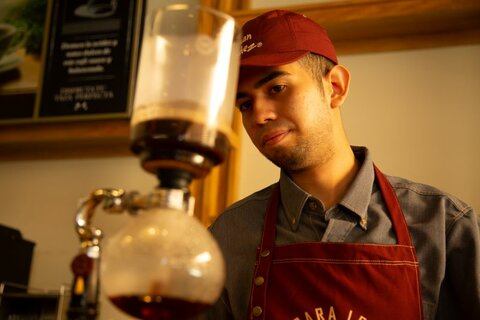 El Salvador: The cup of coffee that changed Moisés' life