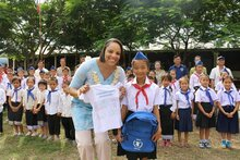 Lao PDR: WFP Executive Board Visits School Meals Project, Presents Art Award