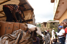 WFP begins food distributions to thousands hit by mudslides in Sierra Leone