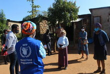 Photo: WFP/ Photogallery CBT Beneficiaries assisted by WFP and ECHO