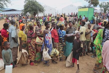 Thousands of Refugees from Burundi Flood into Rwanda (For the Media)