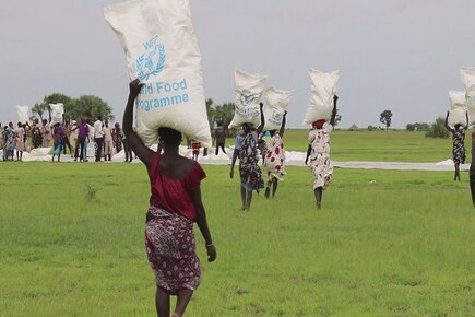 South Sudan WFP Airdrops and Airlifts Reach People in Cut-off Areas as Hunger Increases (For the Media)