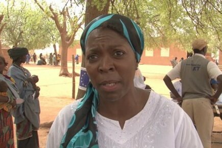 WFP Head Ertharin Cousin on the ground in Niger