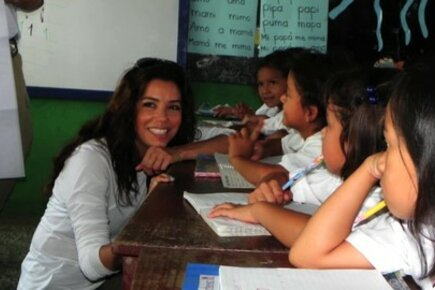 Actress Eva Longoria Learns How WFP Fights Hunger In Honduras