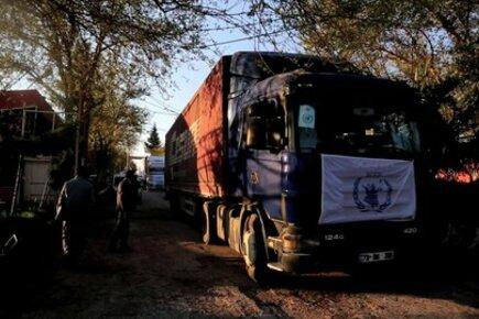 UN Convoy Brings Food Into Syria From Turkey