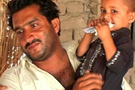 Pakistan Flood Victims A Year Later: Nourishing Children With Wawa Mum