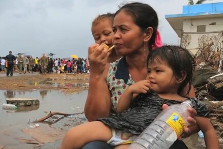 Philippines Typhoon: WFP High Energy Biscuits Keep Survivors Going