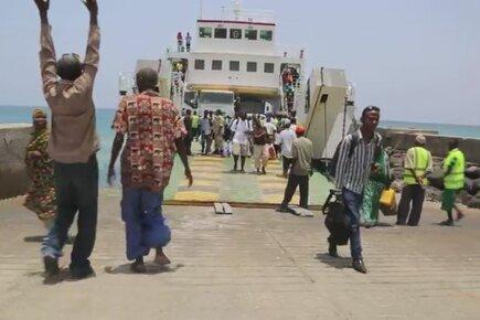 Yemeni Refugees Fleeing Violence Arrive in Djibouti